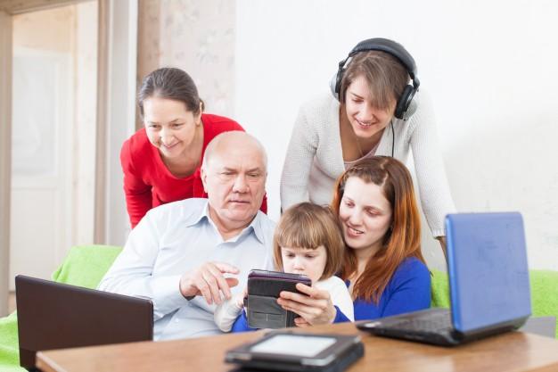 Social Media pentru fiecare generatie: Boomers, X, Y & Z